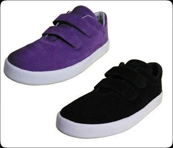 shoes_i_velcro1.jpg